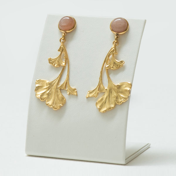 DAHLIA Earrings Gold-Plated with a Pink Moonstone  cabochon