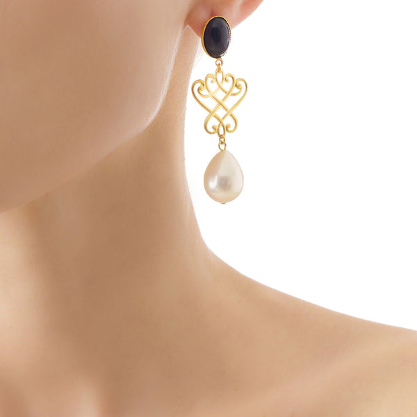LUDIVINE Earrings with Black agate and Fresh water pearl drop