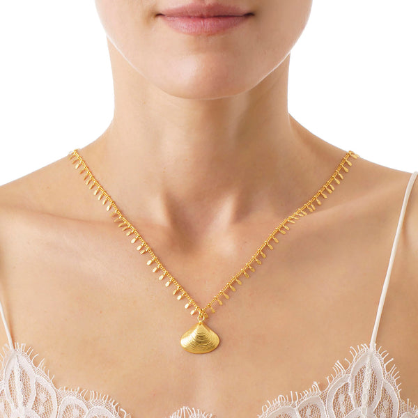 JEBEL Shell Pendant Necklace