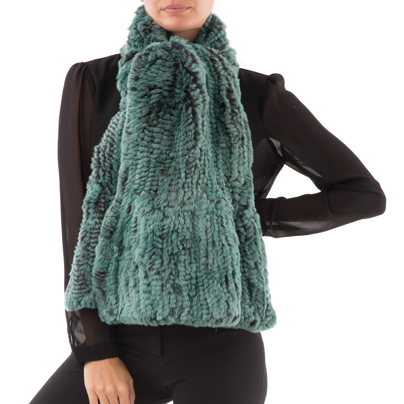 GSTAAD Large green knitted Scarf