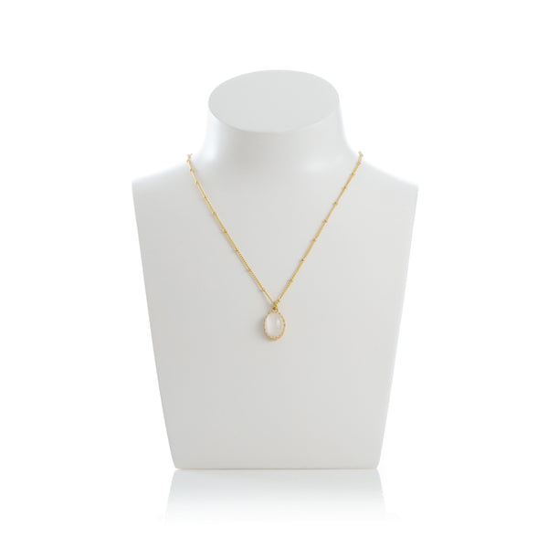 MEDICIS Vintage-inspired necklace pearl