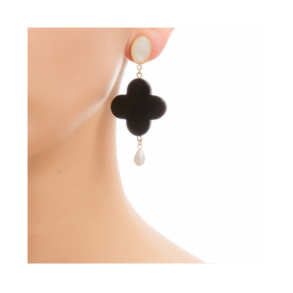 TEKKA Earring Black Lacquered-Horn and Pearl