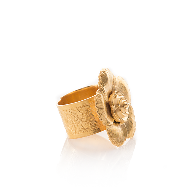 VIOLETTE Gold Floral Adjustable Ring