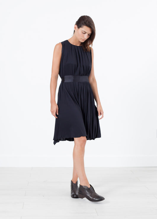 Sleeveless Pleated Dress in Navy