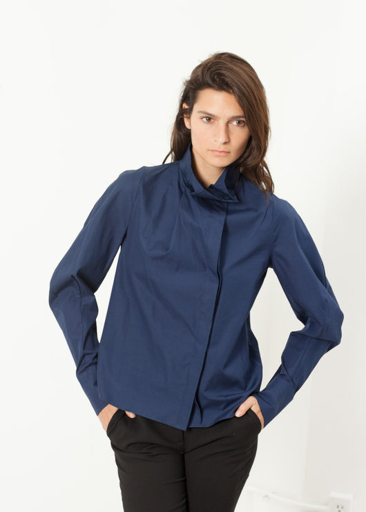 Full Collar Poplin Blouse in Navy