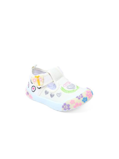 Dunsinky Cream Printed Shoes