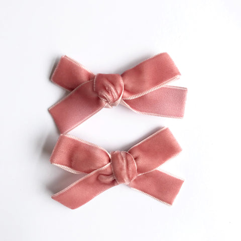 Small dusty pink velvet bow