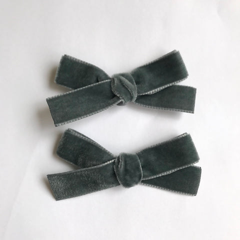 Small grey velvet bow