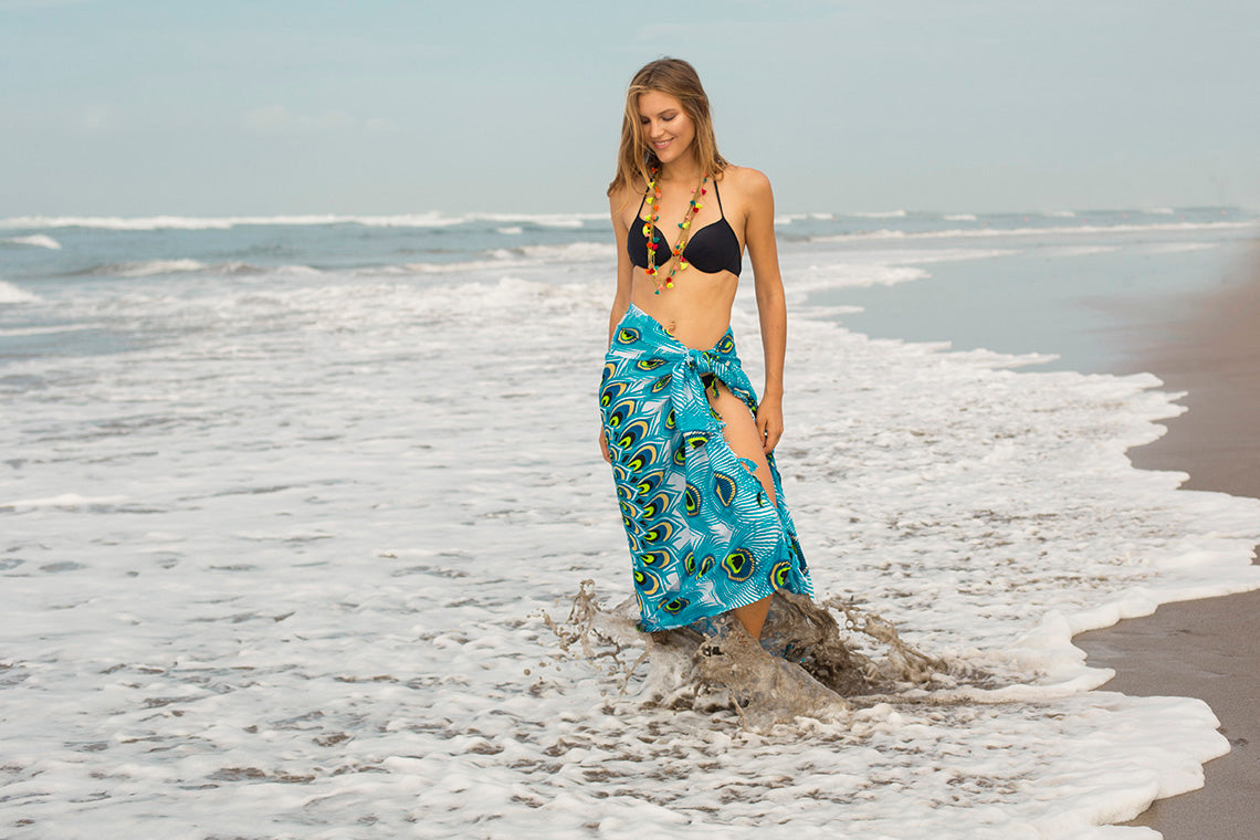 How to tie a sarong and use it as a beach dress!