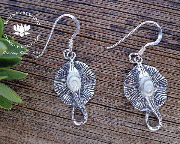 sterling silver stingray earrings, marine lovers, scuba divers, sea life earrings, dangle earrings, drop earrings, operculum earrings