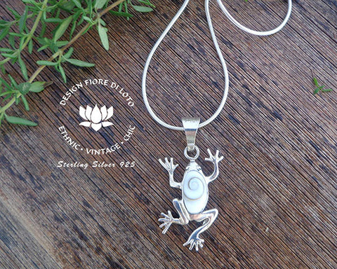 sterling silver frog pendant, animal lovers