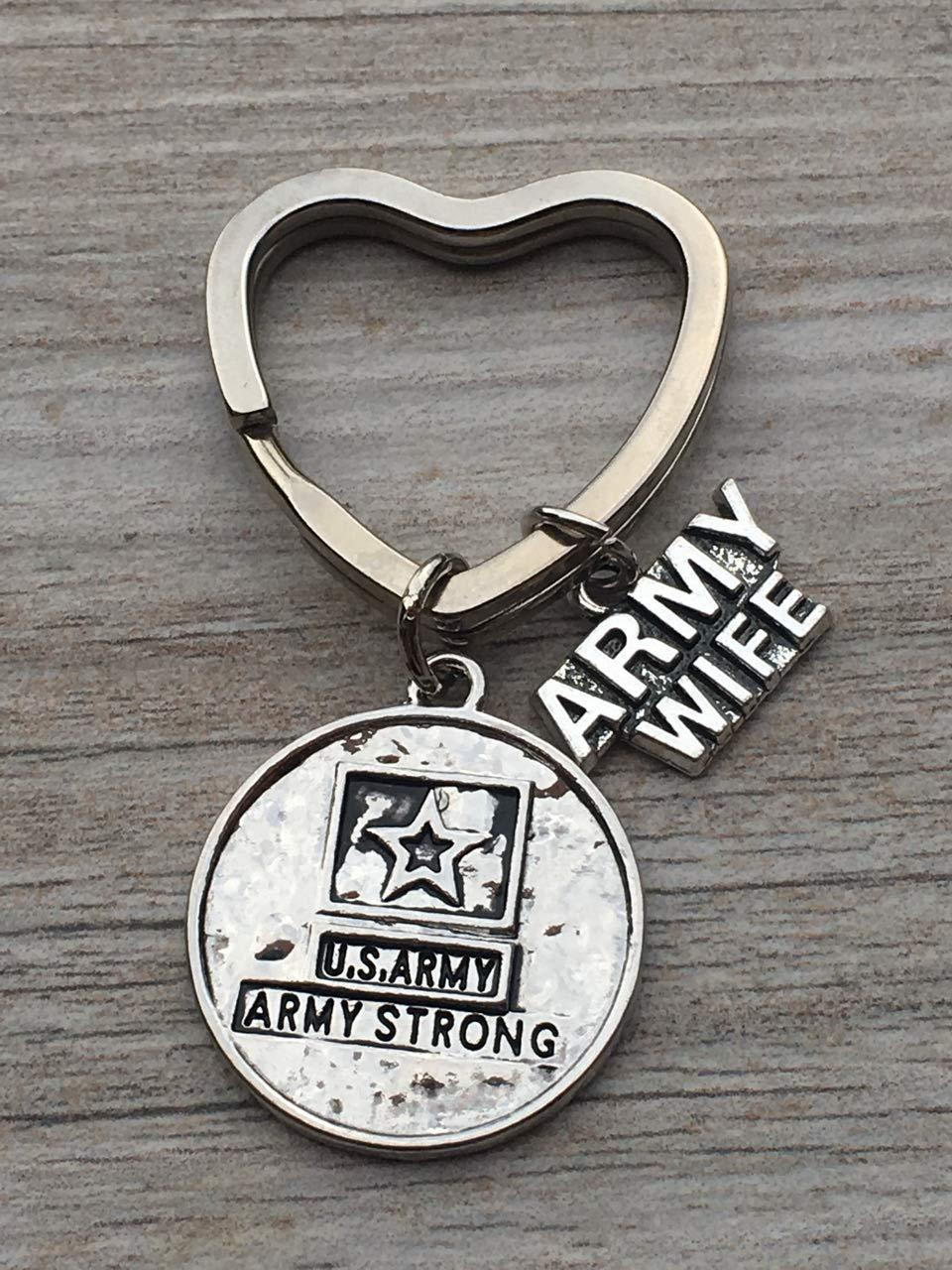 US Proud Army Wife Keychain, Custom Military Army Strong Key Ring Gift for Wives