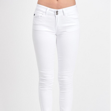 VACAY WHITE SKINNY JEANS - Moxie a sass + class boutique
