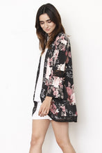 MADE IN THE USA ROMANCE FLORAL KIMONO
