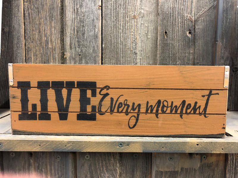 "BG107-802521 Crate Medium Wooden ""Live"""