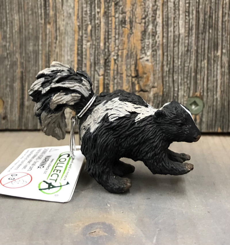 "BG88381 Breyer Animals "" Skunk"""
