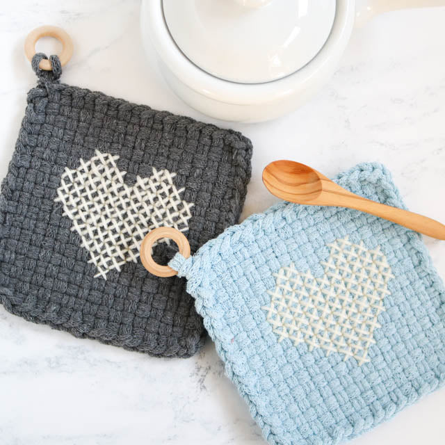 How to cross stitch on a woven potholder (with free pattern)