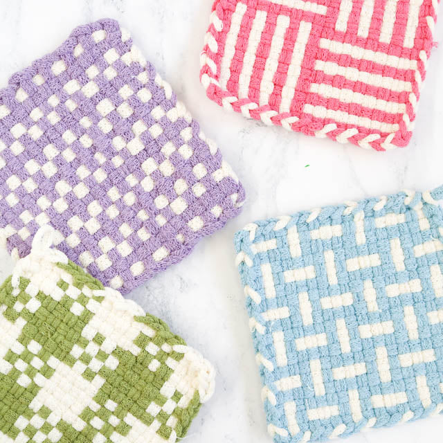 How to make a potholder on a traditional potholder loom