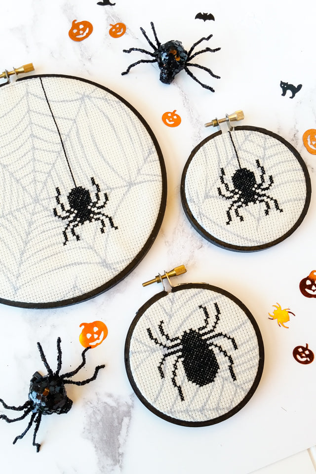 Free Halloween cross stitch pattern - spooky spiders