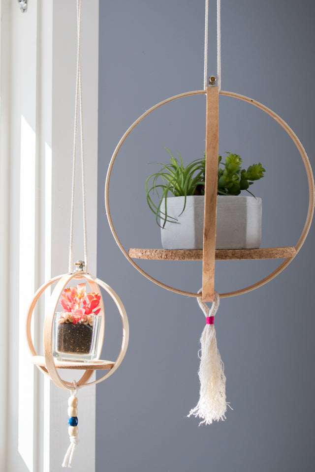 How to make a DIY hanging shelf using an embroidery hoop