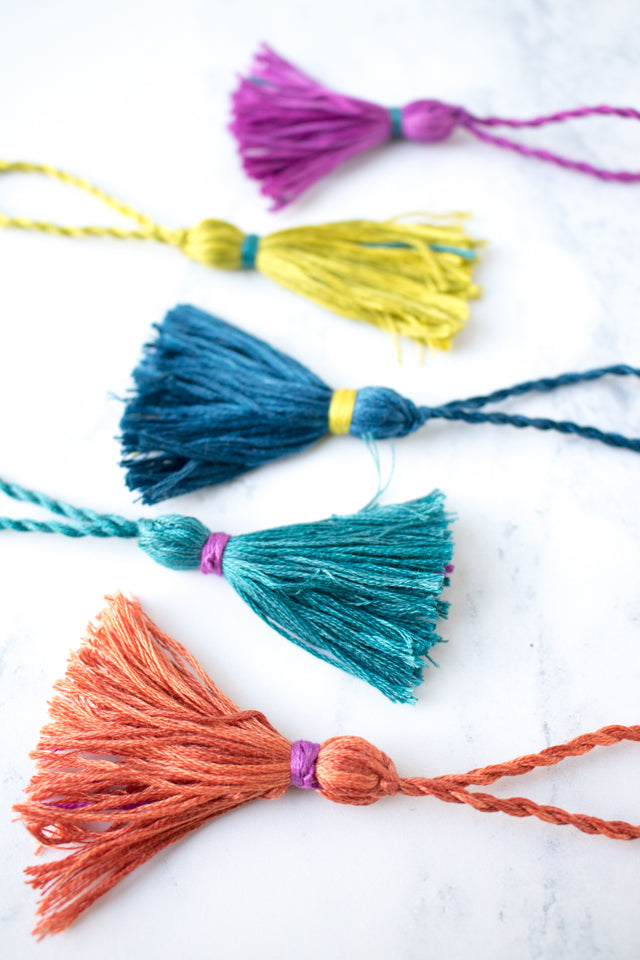 How to make an embroidery floss tassel scissor charm