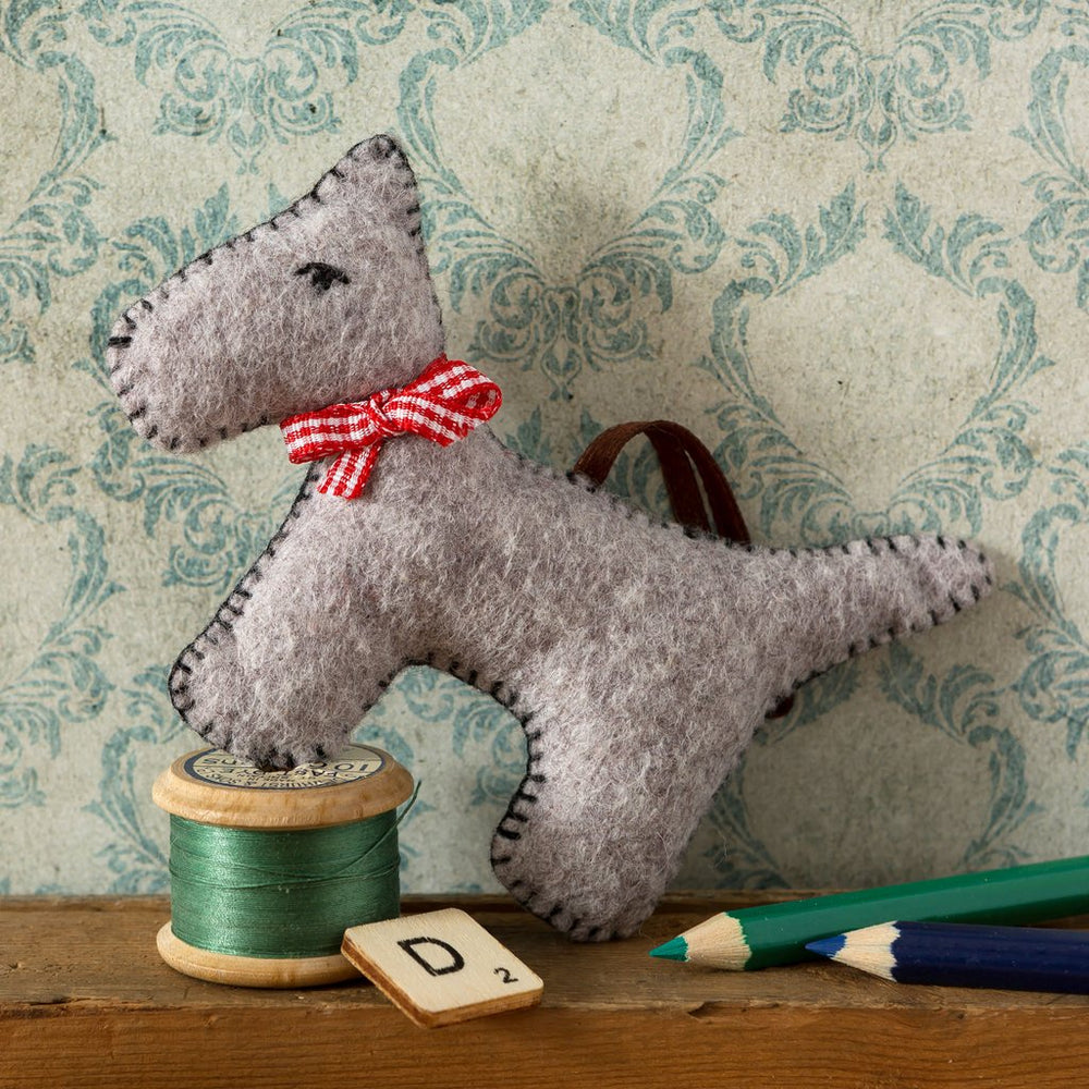 Felt Craft Mini Kit - Gray Dog