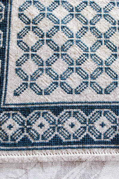 Mediterranean Folk Cross Stitch Pattern - Aegean Octagon Table Runner