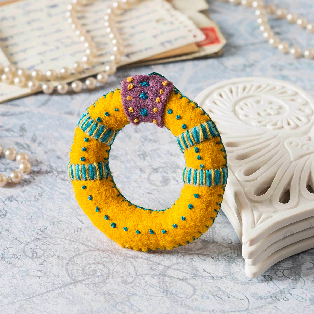 12 Days of Christmas Felt Ornament Kit - Gold Ring