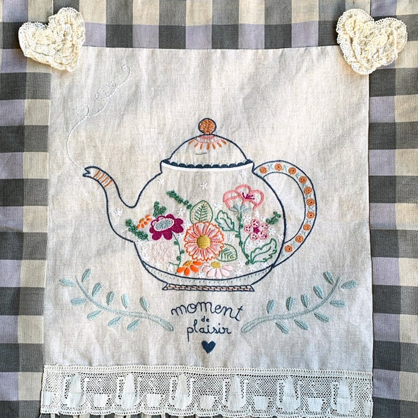 French Hand Embroidery Kit - Teapot