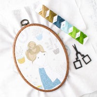 Faux Wood Flexible Embroidery Hoop - Oval