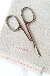 Left-handed embroidery scissors