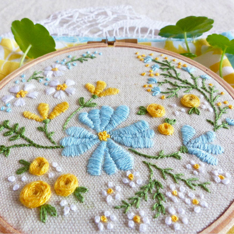 Blossoming Garden Mini Hoop Hand Embroidery Kit