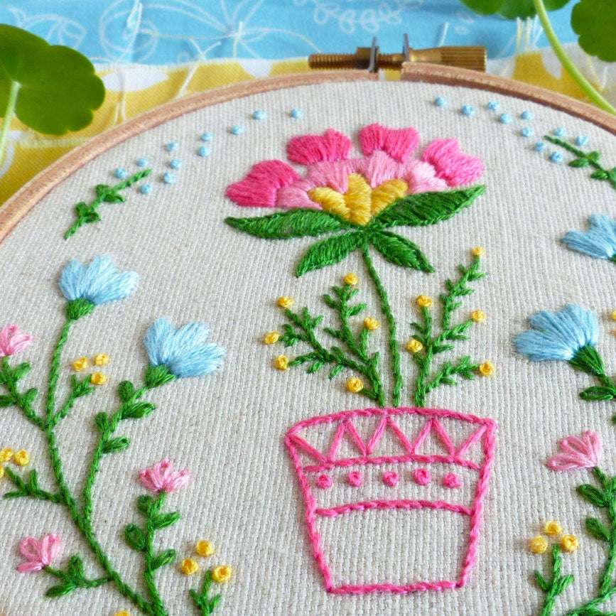 Flowerpot Mini Hoop Hand Embroidery Kit