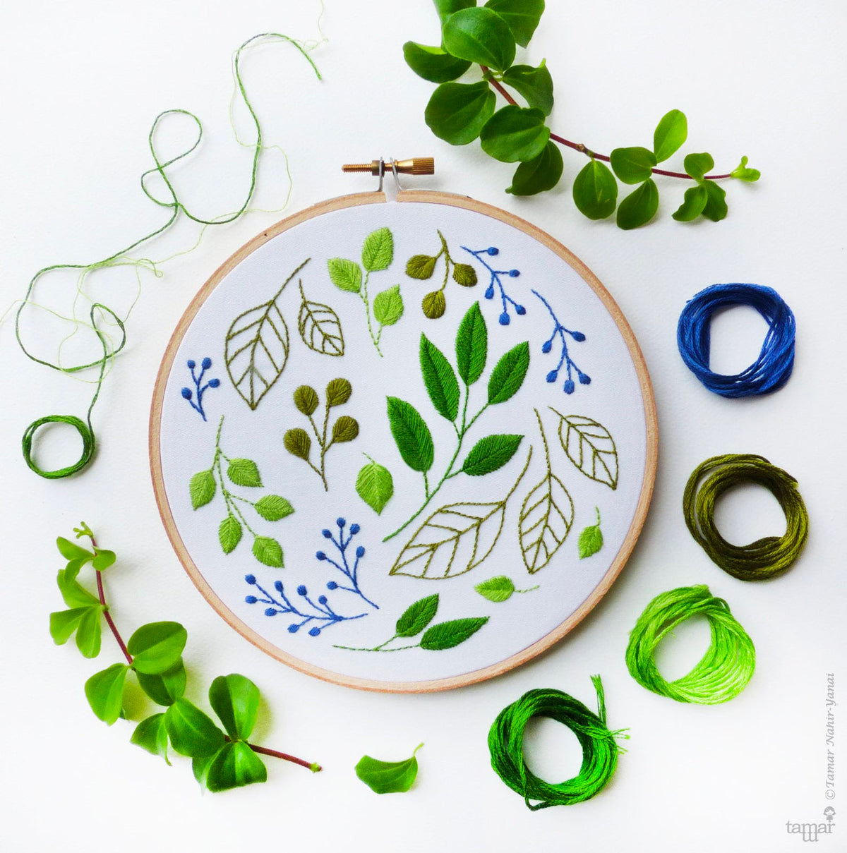 Windy Leaves Hand Embroidery Kit