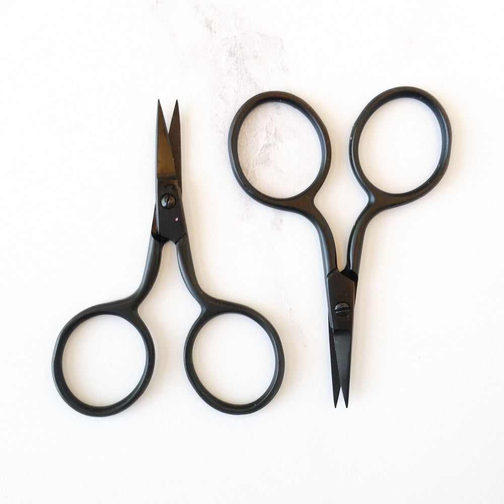 Tiny Snips black embroidery scissors