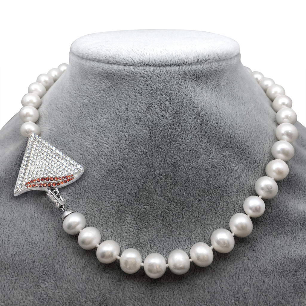 Delta Pearl Necklace