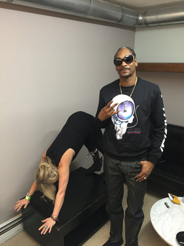 Courtney Smith in Thug Yoga's Snoop Downward Dogg, with the Dogg Father himself