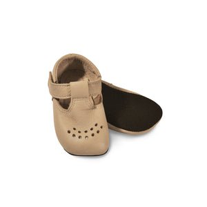 LUSTI. Children slippers made of soft reindeer leather. Color Beige