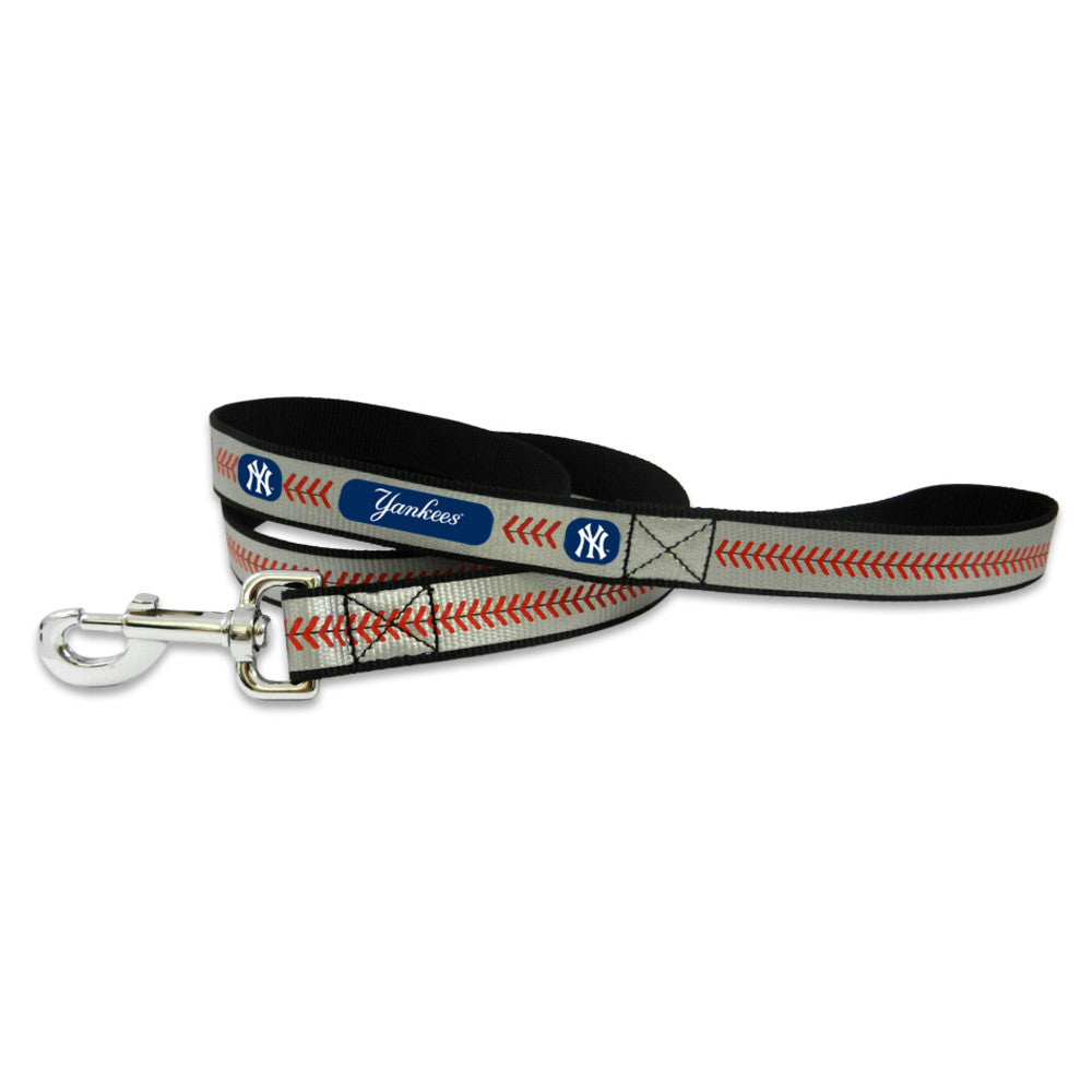 New York Yankees Reflective Dog Leash
