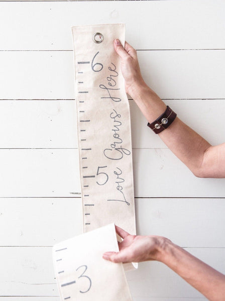 Canvas Growth Chart: Love Grows Here