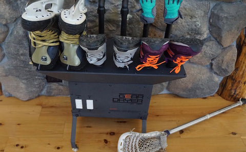 Gear and shoes can be quickly dried with GearDryer to eliminate microbial odor.