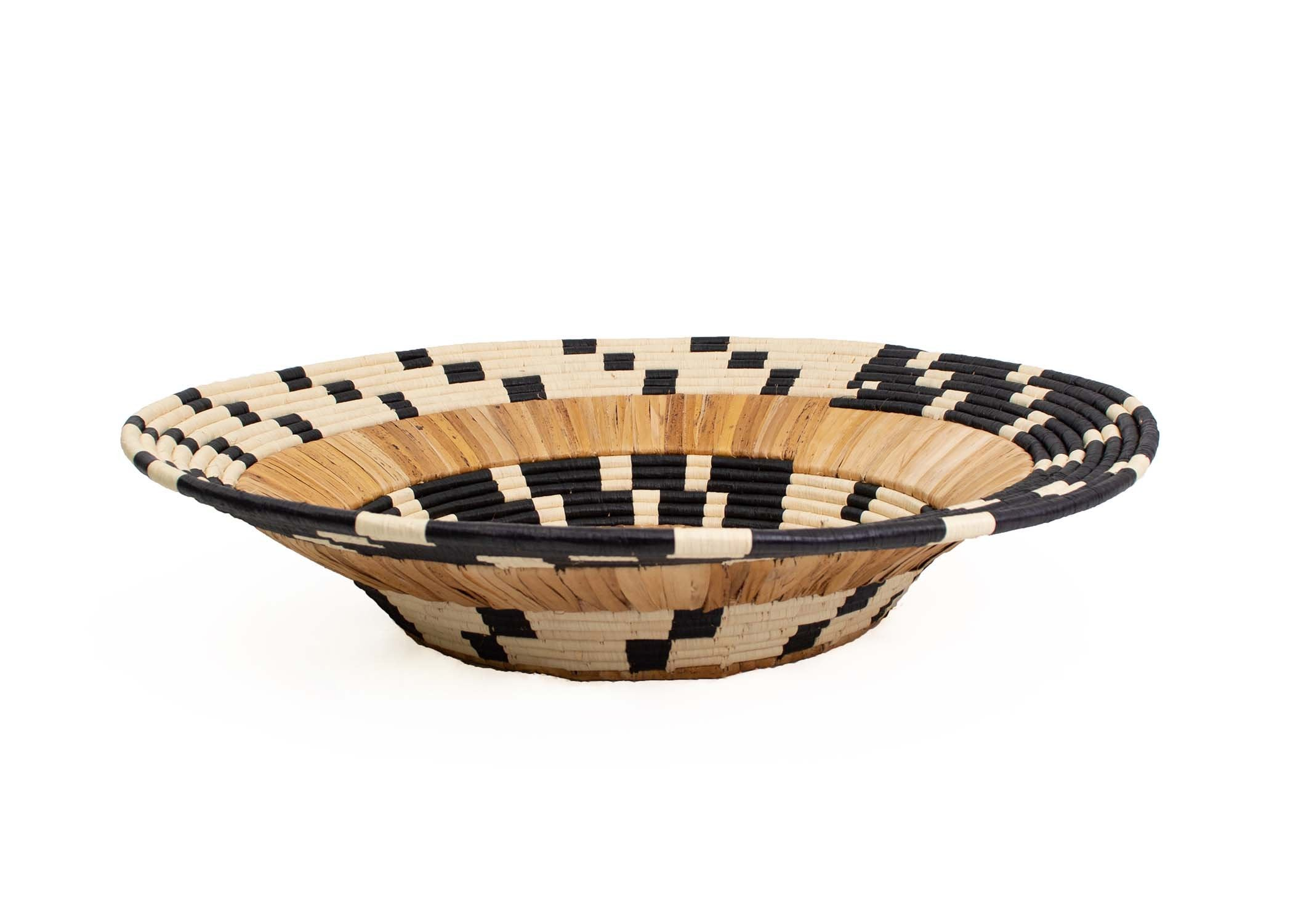 "31"" Oversized Checkered Banana Bark Round Basket - KAZI"