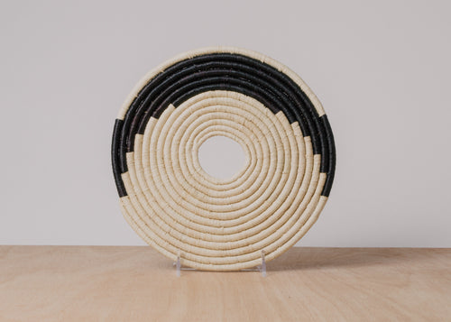 Swirl Black + Natural Raffia Trivet