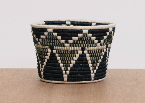 Black + White Kamere Planter