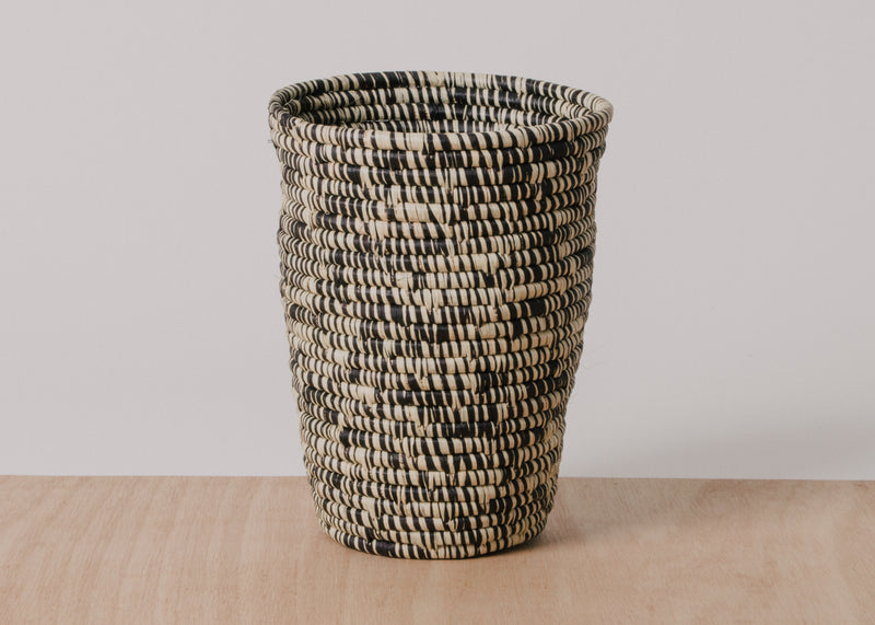 Large Black Heathered Raffia Cup