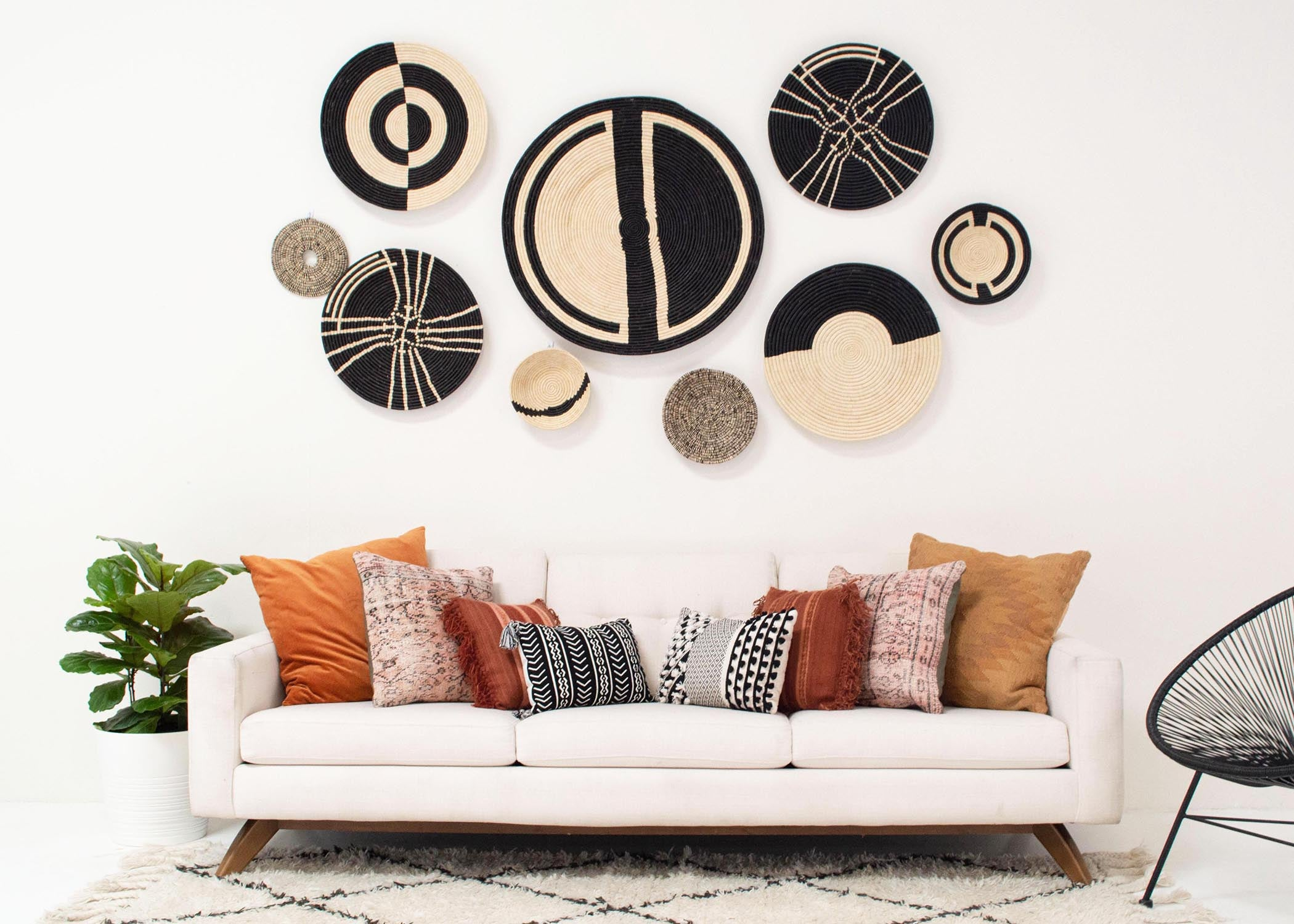 "21"" Large Geo Black Large Raffia Woven Wall Art Plate - KAZI - Artisan made high quality home decor and wall art"