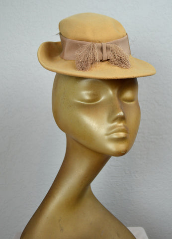 1940's Hattie Carnegie Tilt Hat (As-Is)