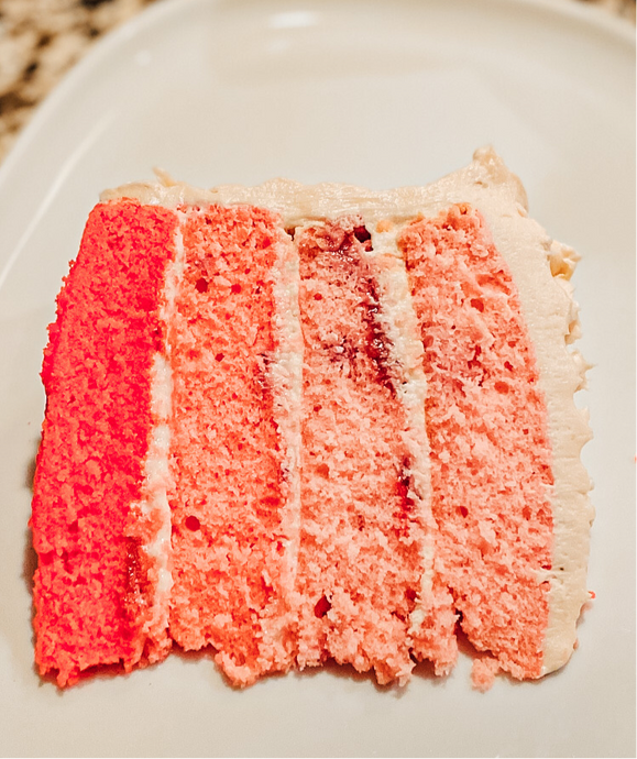 Strawberry Cake (WHOLE)