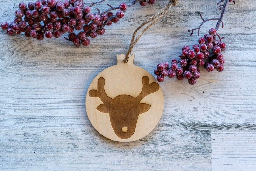 Wood Reindeer Christmas Ornament  /  Christmas Decoration  / Rustic Christmas Tree Ornament  /  DIY Christmas Ornament