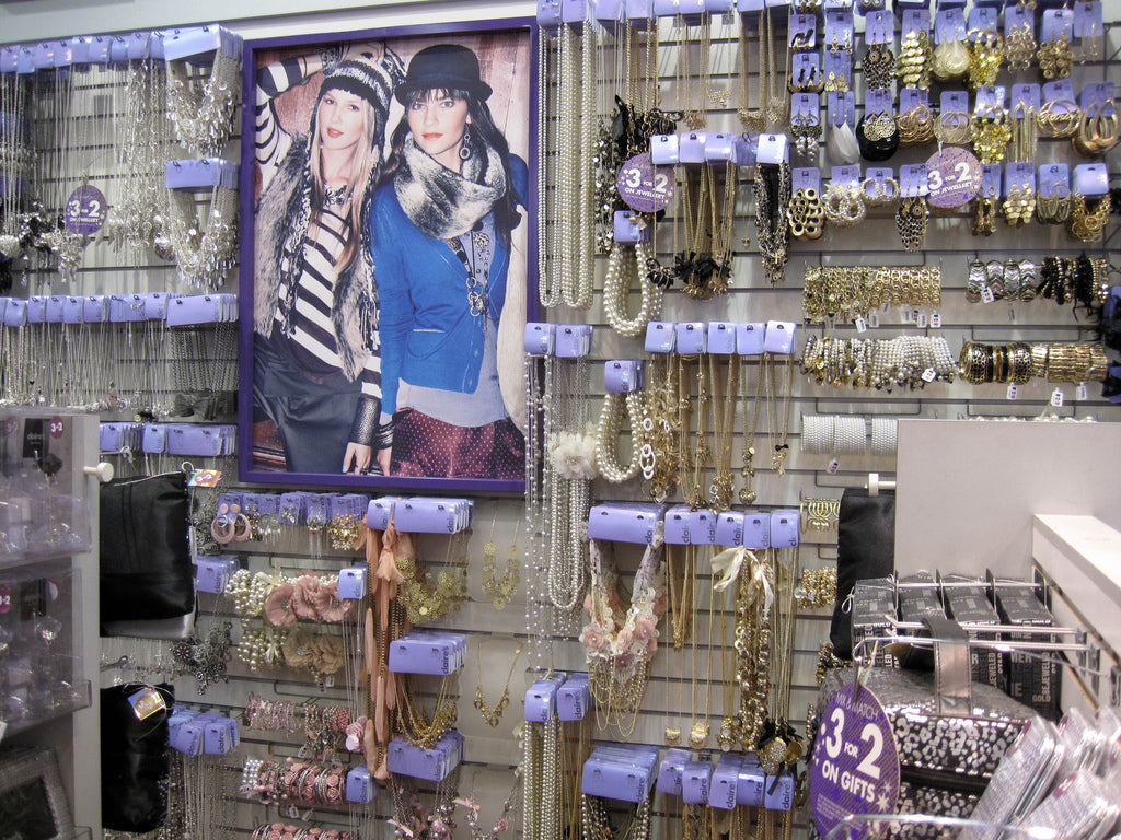 Claires Boutique And Piercing Guns